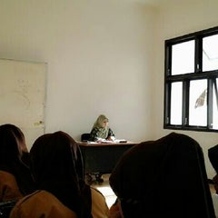 Photo taken at SMA Negeri 1 Genteng by Nikita A. on 9/13/2013