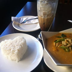 Photo taken at Thai Thank You by Anna T. on 9/23/2013