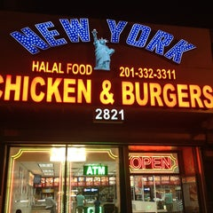 Photo taken at New York Fried Chicken by Sw W. on 9/8/2013