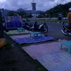 Photo taken at Pantai Amahami by Ollenk A. on 6/2/2013