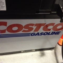 Photo taken at Costco Gasoline by SooFab on 11/25/2014