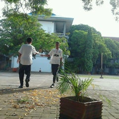 Photo taken at SMA Negeri 1 Makassar by Ina M. on 11/27/2012
