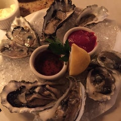 Photo taken at Scott's Seafood Folsom by Gina H. on 2/23/2015