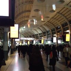Photo taken at 品川駅 (Shinagawa Sta.) by Tsutomu Y. on 3/4/2013