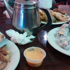 Photo taken at Fuji Chinese Buffet by Diana V. on 10/18/2014
