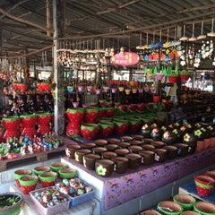 Photo taken at หมู่บ้านดินเผาด่านเกวียน by Koo K. on 12/31/2014