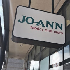 Photo taken at Jo-Ann Fabric and Craft by Wilfred W. on 5/2/2015