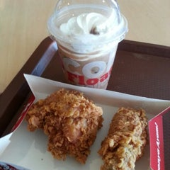 Photo taken at KFC by Sherwin T. on 12/31/2012