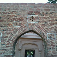 Photo taken at Jallianwala Bagh | जलियांवाला बाग by Raunaq S. on 9/20/2012