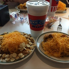 Photo taken at Dixie Chili by Shauna F. on 7/6/2014