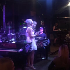 Photo taken at Pete's Dueling Piano Bar by Christian R. on 11/12/2015