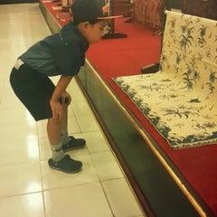Photo taken at Museum Batik Kuno Danar Hadi by Gamma A. on 7/21/2015