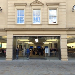 Photo taken at Apple Store, SouthGate by Mike D. on 10/12/2012