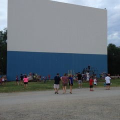 Photo taken at Boulevard Drive-In Theatre by Jacquelyn F. on 7/14/2013