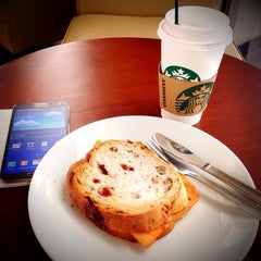 Photo taken at Starbucks by iCandy H. on 10/24/2014