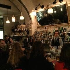 Photo taken at Pinch - Spirits & Kitchen by Javier H. on 11/11/2015
