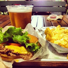 Photo taken at Shake Shack by Teddy on 7/28/2013