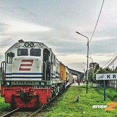 Photo taken at Stasiun Kroya by Biyanosia U. on 4/17/2016
