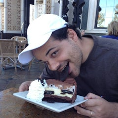 Photo taken at The Cheesecake Factory by Gabriel V. on 10/7/2012