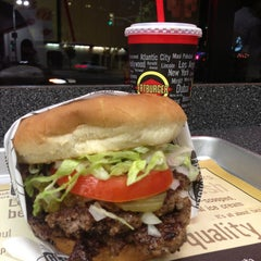 Photo taken at Fatburger by Mohammed M. on 7/18/2013