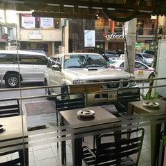 Photo taken at Moonleaf Tea Shop by Armie E. on 9/29/2015