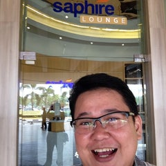 Photo taken at Saphire D'Consulate Lounge by Stevie on 9/4/2014