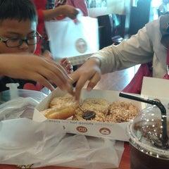 Photo taken at Big Apple Donuts & Coffee by Hariz Haifa Hayati Z. on 3/27/2014