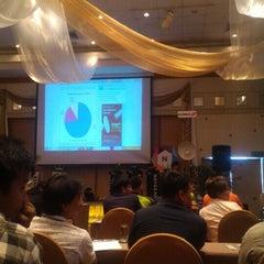 Photo taken at The City Hotel Sriracha, Chonburi by Pisanu M. on 9/3/2015