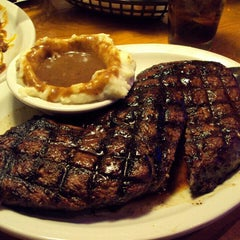 Photo taken at Texas Roadhouse by Jamie S. on 10/6/2015
