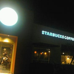 Photo taken at Starbucks by Raúl C. on 1/15/2013
