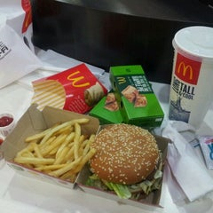 Photo taken at McDonald's by Jannx B. on 1/8/2013