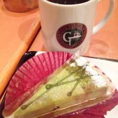 Photo taken at ジースタイルカフェ (G-Style Cafe) by Kae S. on 4/24/2013