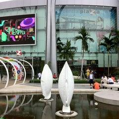 Photo taken at CentralPlaza Chonburi (เซ็นทรัลพลาซา ชลบุรี) by Kenneth S. on 11/27/2012