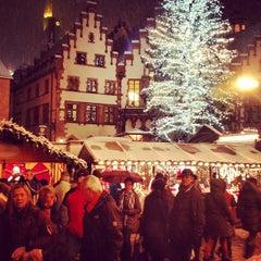 Photo taken at Weihnachtsmarkt Frankfurt by Ronald E. on 12/8/2012