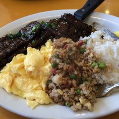 Photo taken at Big City Diner by Belle G. on 11/10/2014