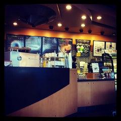 Photo taken at Starbucks (สตาร์บัคส์) by Ginnee (^_^) on 7/4/2013