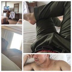 Photo taken at Diamond Plaza Hotel (โรงแรมไดมอนด์พลาซ่า) by Tae W. on 7/23/2015