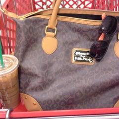 Photo taken at Starbucks by Prisciℓℓaaah! on 1/22/2014