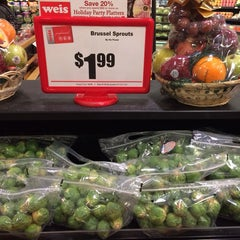 Photo taken at Weis Markets by Colin B. on 12/23/2013