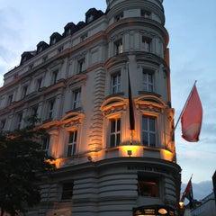 Photo taken at Mandarin Oriental, Munich by Madhawy S. on 6/29/2013