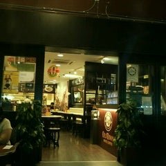 Photo taken at OldTown White Coffee by Evgeniya Y. on 12/8/2012
