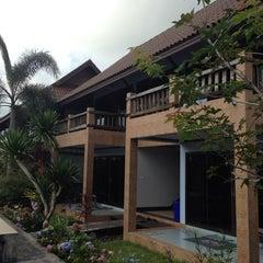 Photo taken at บ้านริมน้ำ รีสอร์ต by Piluk P. on 4/10/2014
