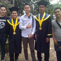 Photo taken at Sekolah tinngi pariwisata bandung (enhai) by Regie Adretian P. on 5/4/2013