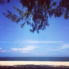 Photo taken at Springfield Beach Resort Cha-Am by Peez C. on 10/4/2014