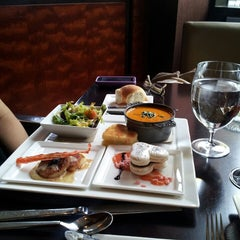 Photo taken at EDGE Restaurant And Bar At Four Seasons Hotel Denver by Gregory A. on 2/14/2013
