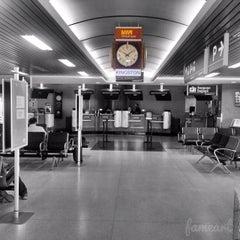 Photo taken at VIA Rail Kingston by Fahmi Y. on 6/13/2015