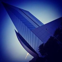 Photo taken at Dubai Chamber of Commerce & Industry غرفة تجارة وصناعة دبي by Muneer A. on 11/30/2012