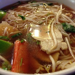 Photo taken at Pho Real Vietnamese Restaurant by S Kehinde on 6/16/2013