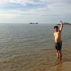 Photo taken at หาดใบลาน (Bailan Beach) by 🌸Hippo-po C. on 11/29/2013