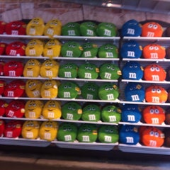 Photo taken at M&M's World by Leslie Y. on 7/9/2013